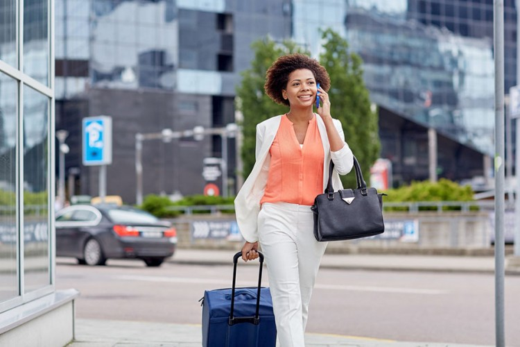 Nggak Ada yang Nggak Mungkin, Kamu Bisa Keliling Dunia Gratis dengan 5 Cara Ini
