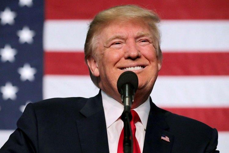Donald Trump Buat Peraturan Penggunaan Toilet Untuk Transgender