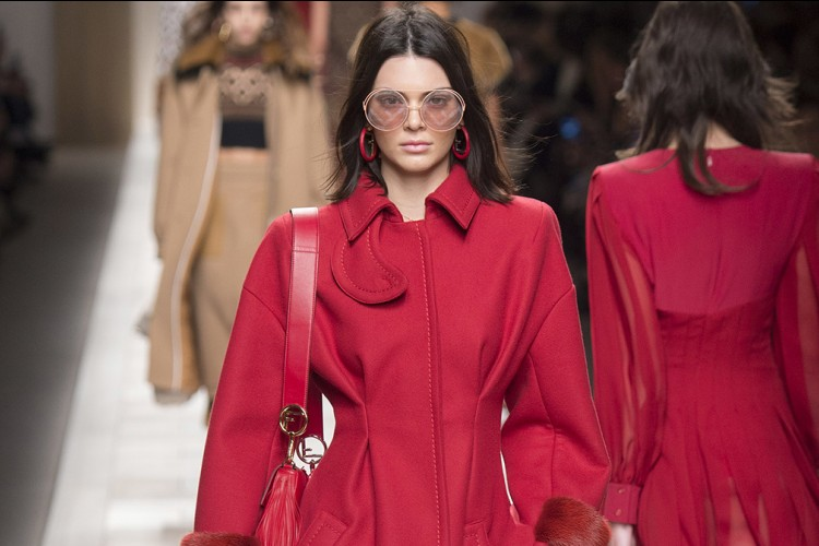 Pedas Banget, Koleksi Fendi yang Bernuansa Merah Cabai