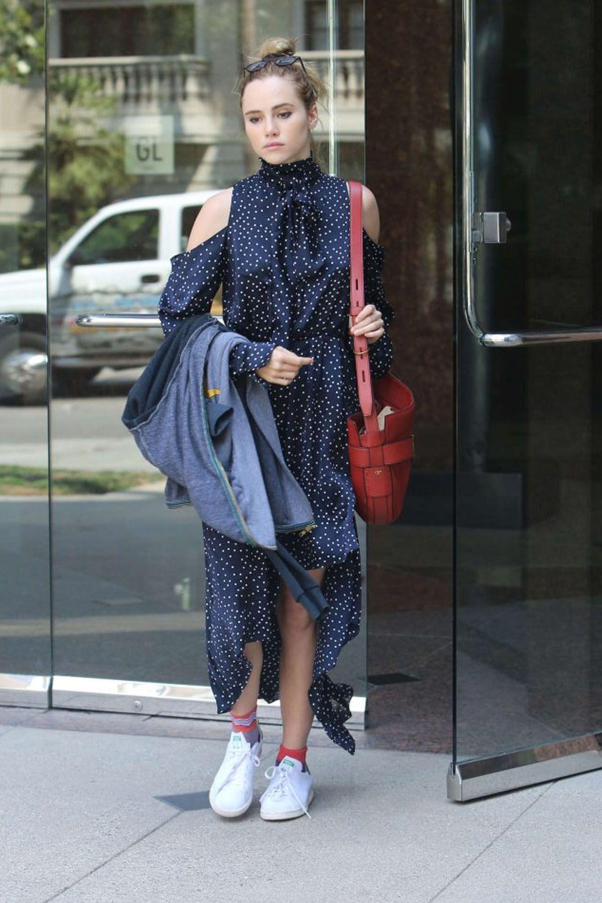 Curi Perhatian dengan Kumpulan Gaya Street Style dari Suki Waterhouse