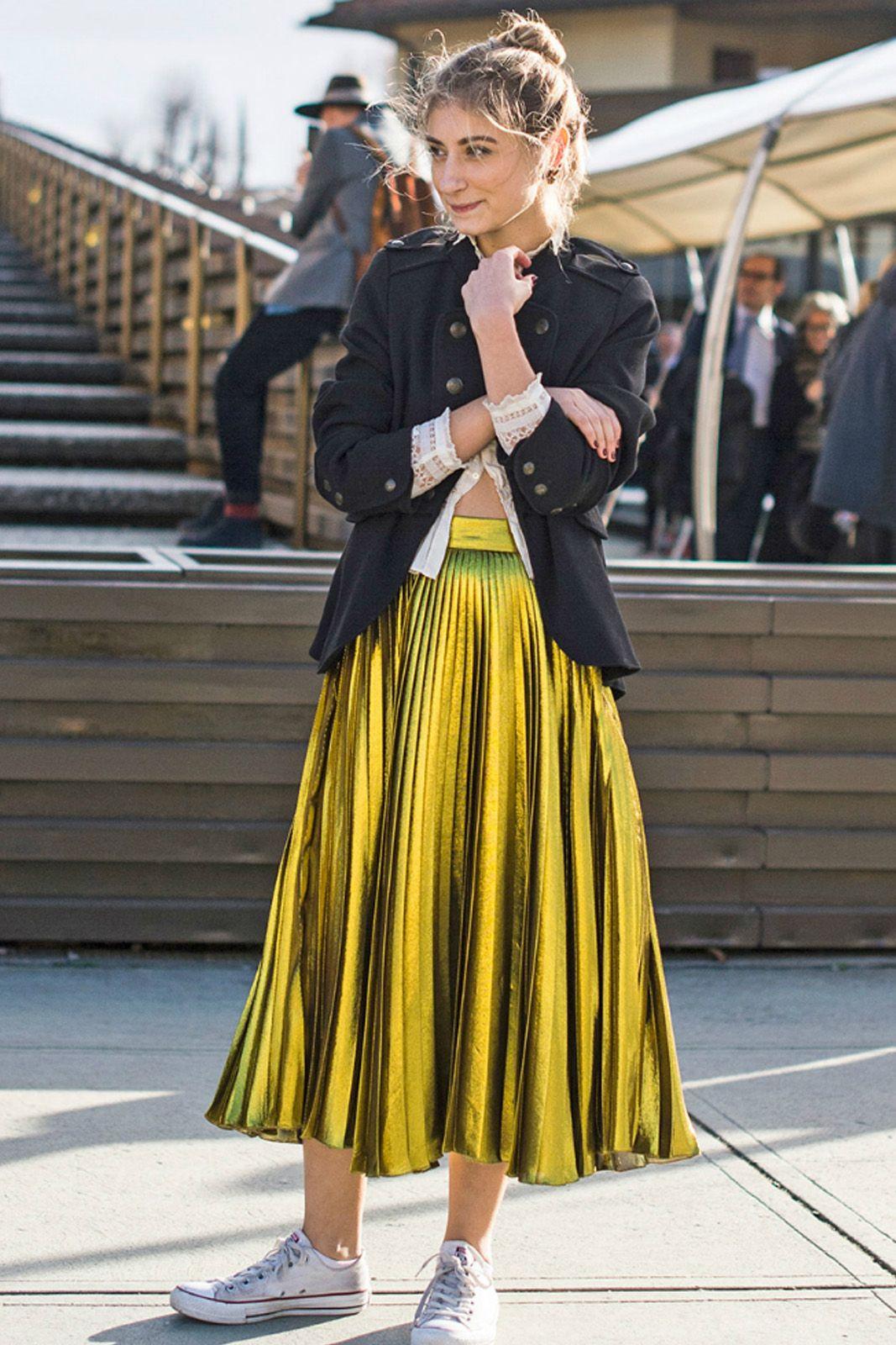 Tampil Lebih Girly dan Modis dengan Pleated Skirt