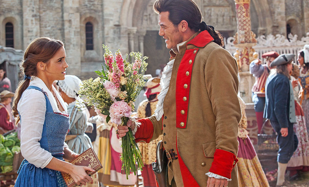 4 Makna Cinta yang Akan Buat Kamu Sulit Move On dari Film Beauty and The Beast