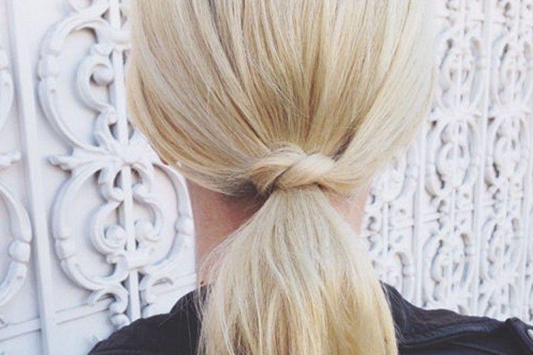 Buat Rambut Pendekmu Lebih Stylish dengan Tutorial Ponytail Ini