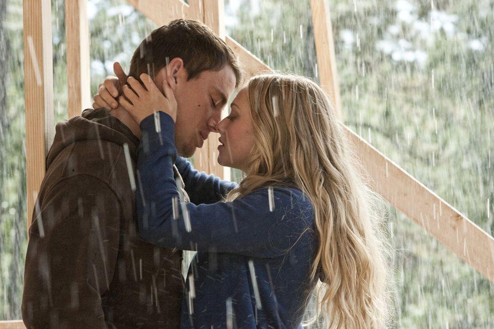 Suka Cerita Romantis? Yuk Belajar Cinta dari 6 Karya Nicholas Sparks!