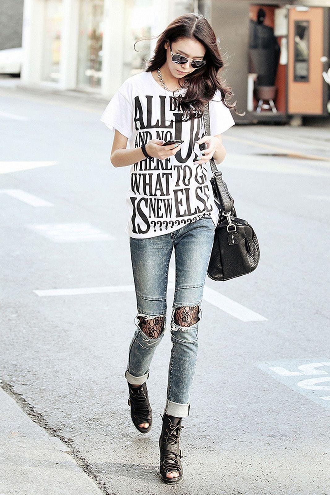 Buat Gayamu Semakin Keren dengan Mix n Match Graphic T-shirt Berikut Ini!