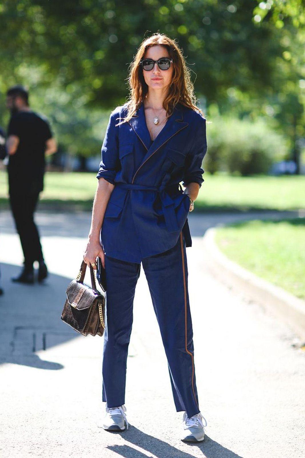 темно синий костюм женский с чем носить фото пошёл