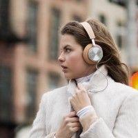 Bahaya! Ini Efek Buruknya Memakai Headphones bagi Rambut