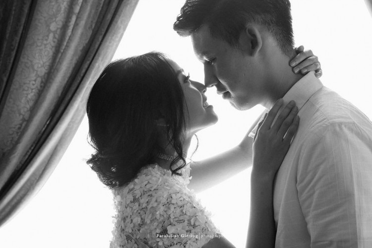 Jelang Pernikahan, Rinni Wulandari Pamer Foto Pre-Wedding dengan Jevin Julian