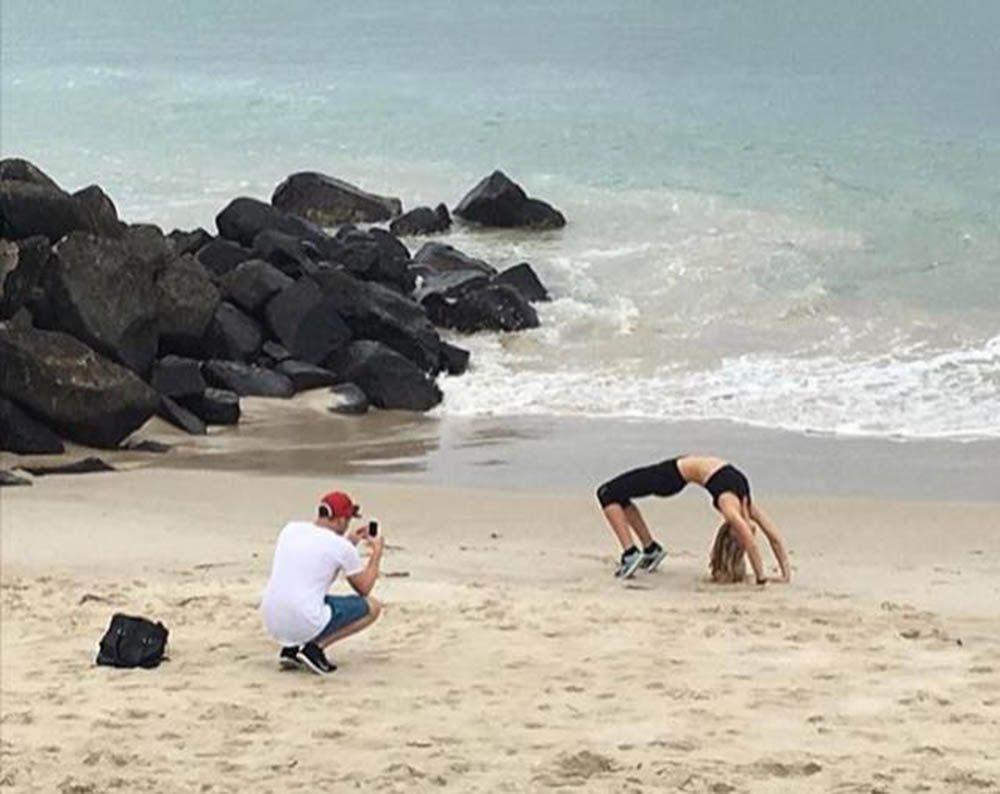 Kocak, Ini Aksi Laki-Laki di Balik Foto Instagram Pasangannya