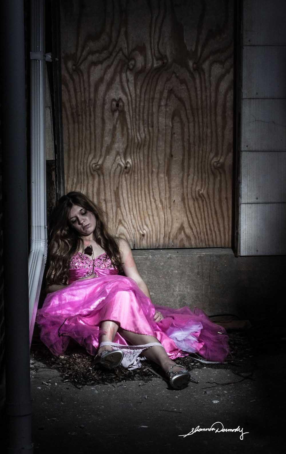 disney-princesses-real-world-problems-shannon-dermody-1-590c8953ebe2e-880-32f29b8fa8108ea531b7b698e78661bd.jpg