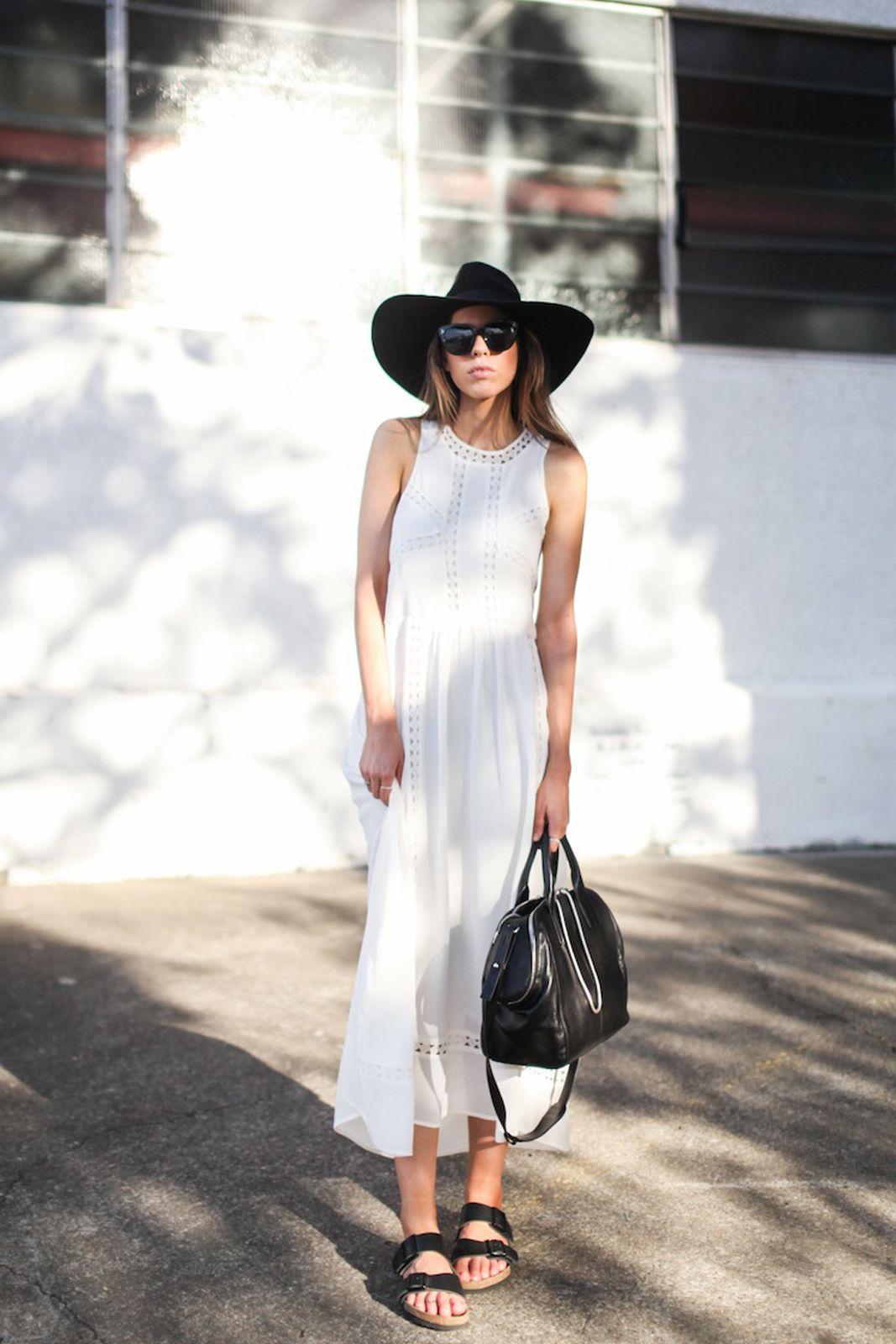 5 Tips Agar Terlihat Tinggi Saat Memakai Maxi Dress