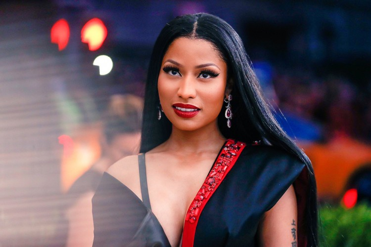 Nicki Minaj Janji Akan Membiayai Kuliah Beberapa Fansnya!