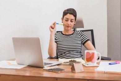 Lakukan 8 Trik Ampuh Ini Biar Mood Kerjamu Kembali Positif