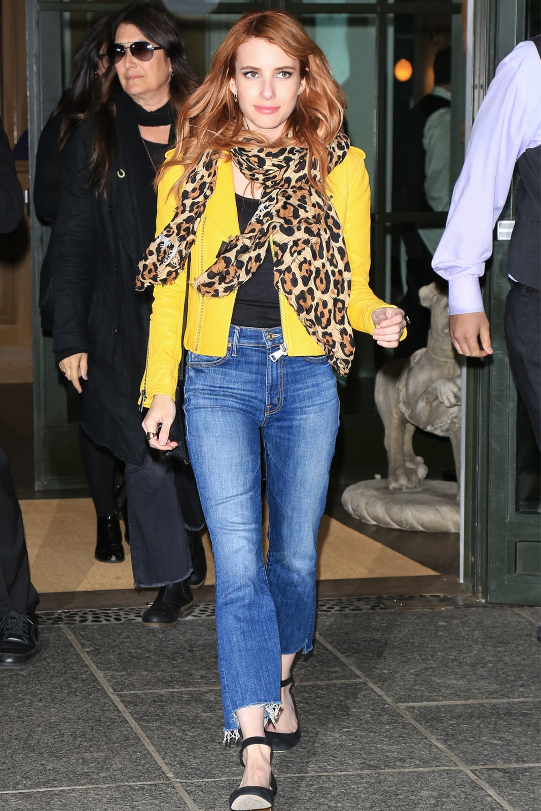 Tampil Fresh dan Chic dengan Warna Kuning, Ini Tipsnya!