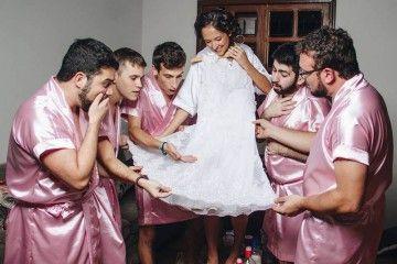 Demi Sahabat, Para Pria Ini Rela Didandani sebagai Bridesmaid