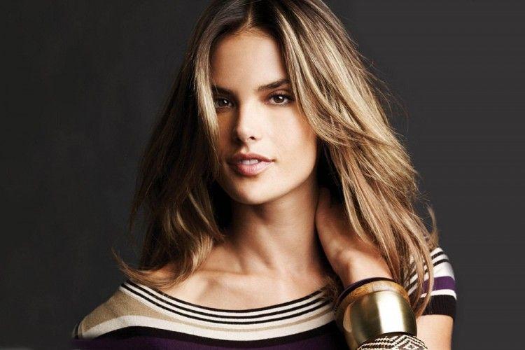 7 Gaya Chic Alessandra Ambrosio yang Memesona