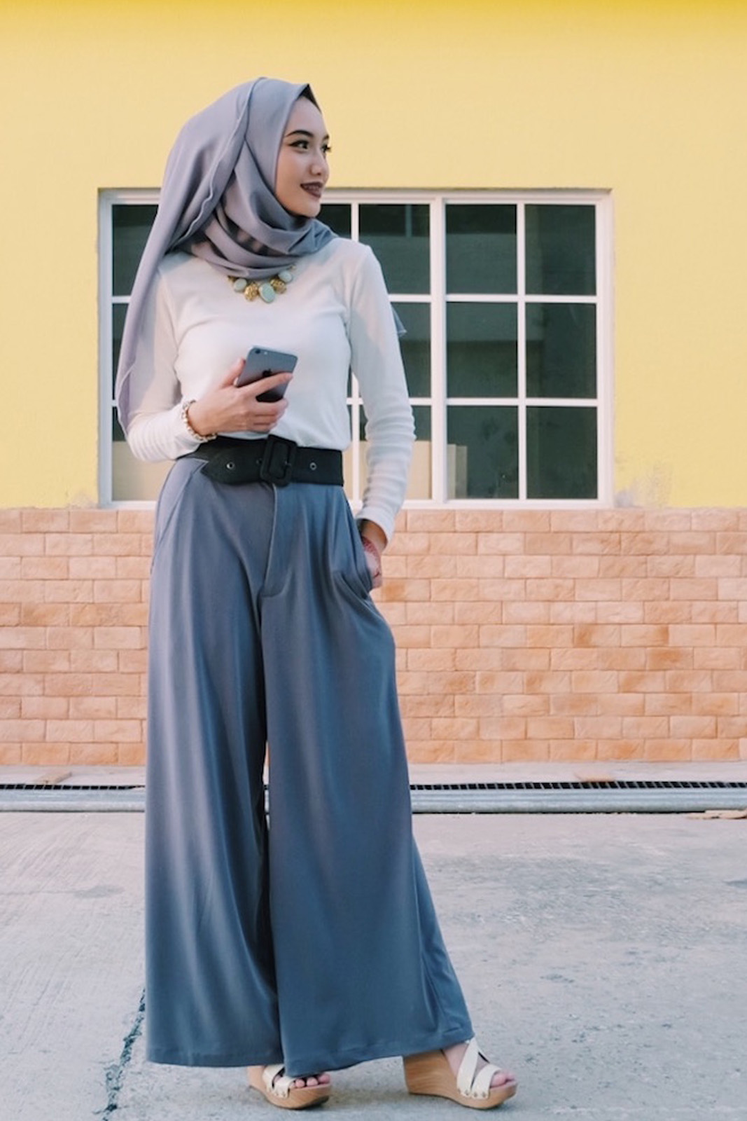 Tips Tampil Cantik Hijab dengan Padu-padan Celana