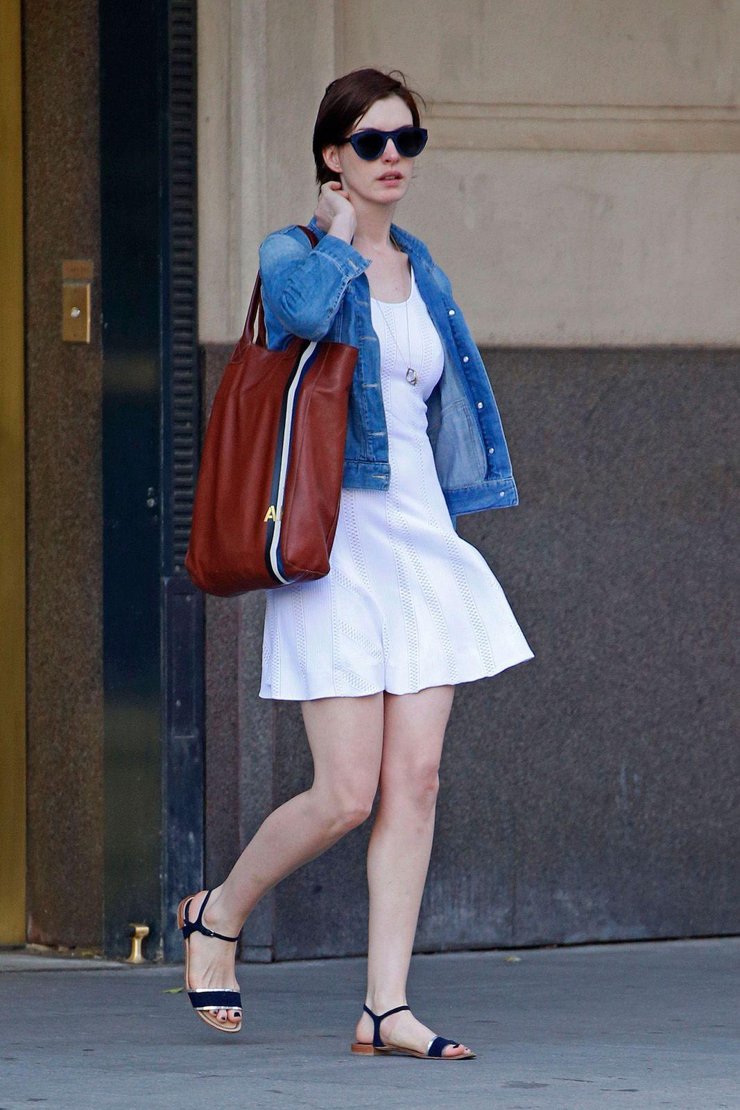 Tips Mix N Match Denim Jacket Biar Sekeren Seleb Hollywood