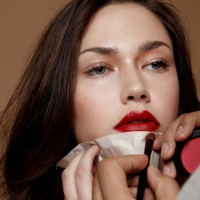 DIY: Cara Membuat Homemade Lipstik dari Bahan Alami