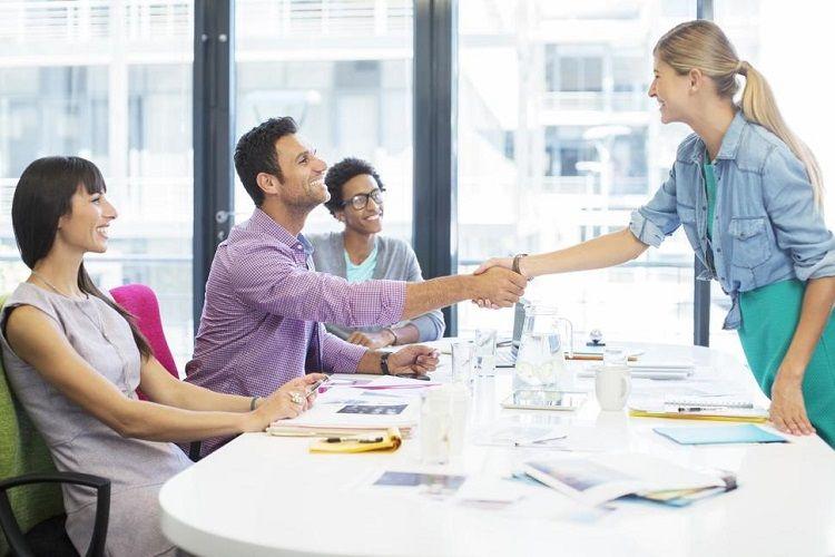 Ini Keuntungan Positif yang Kamu Rasakan Kalau Punya Bos Cowok