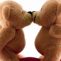 7 Manfaat Berciuman yang Baik untuk Kesehatan Tubuh