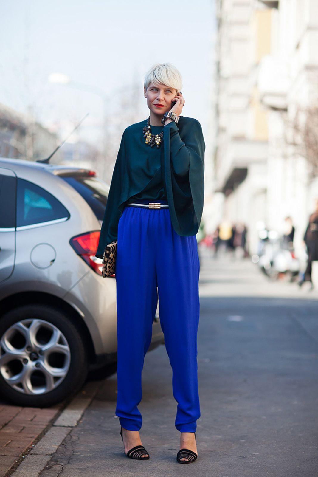 Ini 5 Cara Tampil Trendi dengan Warna Biru