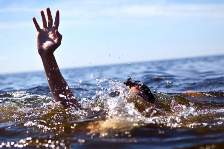 3 Orang ini Bagikan Kisahnya Terdampar di Laut Berbulan-bulan