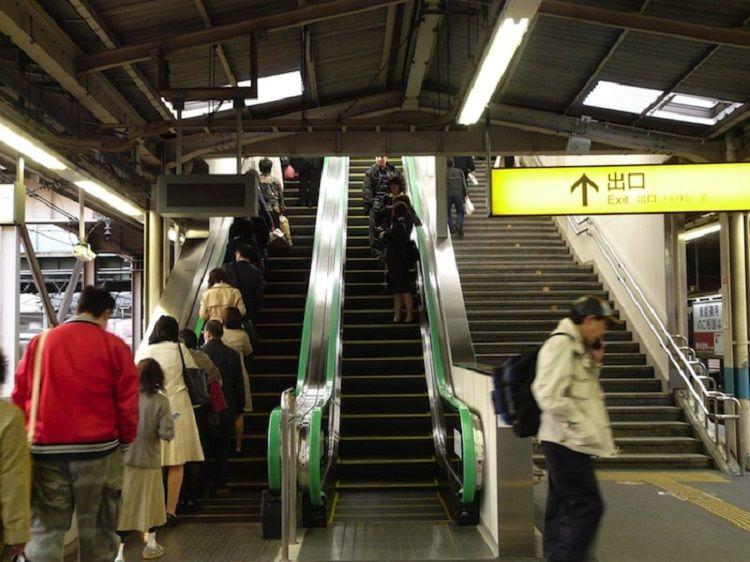 Hindari 7 Kebiasaan Buruk di Negeri Sendiri Kalau Jadi Turis di Jepang
