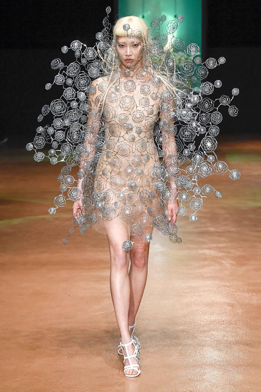 Fakta Pembuatan Gaun Couture yang Tingkat Dewa