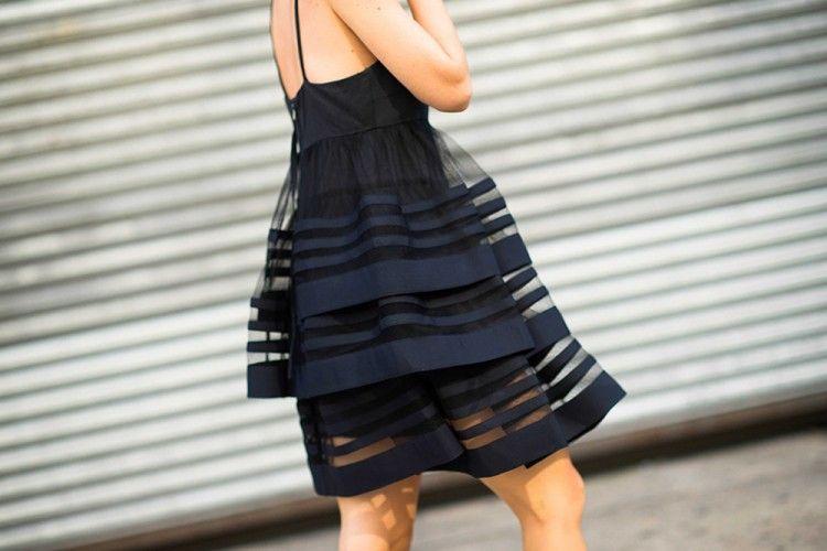 Agar Makin Modis, Ini 5 Dress Hitam yang Wajib Kamu Miliki