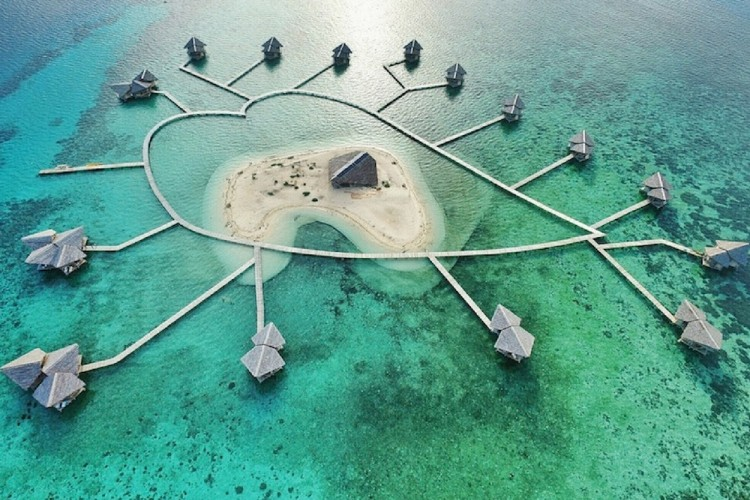 Pulau Cinta di Sulawesi ini Nggak Kalah Esksotis dengan Maldives