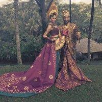 Langsung Viral, John Legend Tampil Gagah Dalam Pakaian Adat Asli Bali!