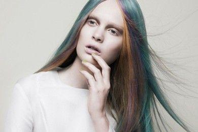 Biar Awet Muda Terus, Jangan Lakukan 5 Hal Ini Pada Rambutmu