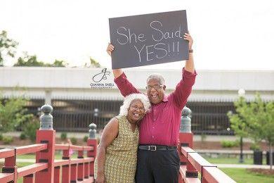 Pasangan Ini Buktikan Tak Ada Kata Terlambat untuk Jatuh Cinta