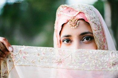 Penulis Ini Klaim Buku Panduan Seksnya 'Halal' untuk Wanita Muslim