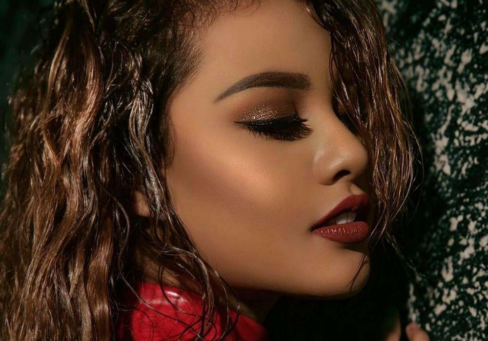 5 Warna Lipstik Aurelie Hermansyah yang Layak Ditiru