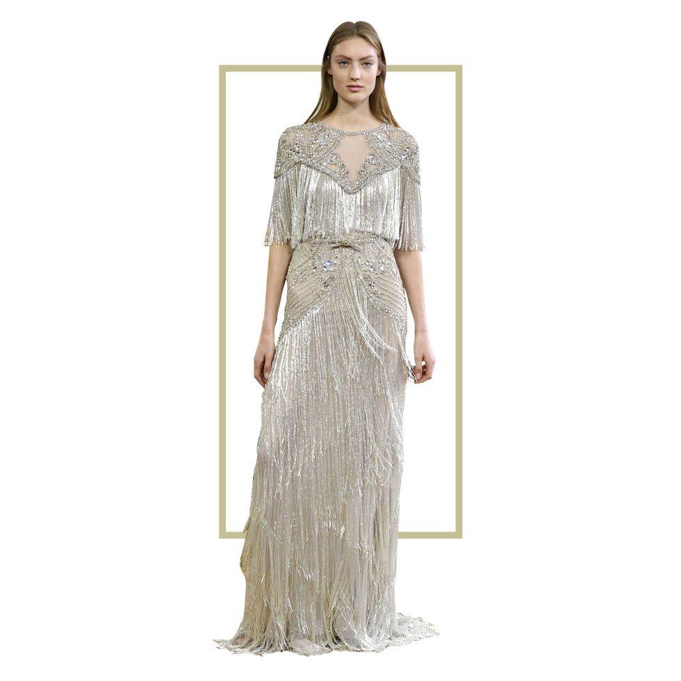 Fantastis! Satu Gaun Ini dibuat Selama 3000 Jam