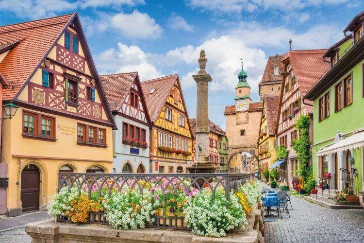 Pekerjaan Ini Bisa Mewujudkanmu Berkeliling Eropa dengan Biaya Murah