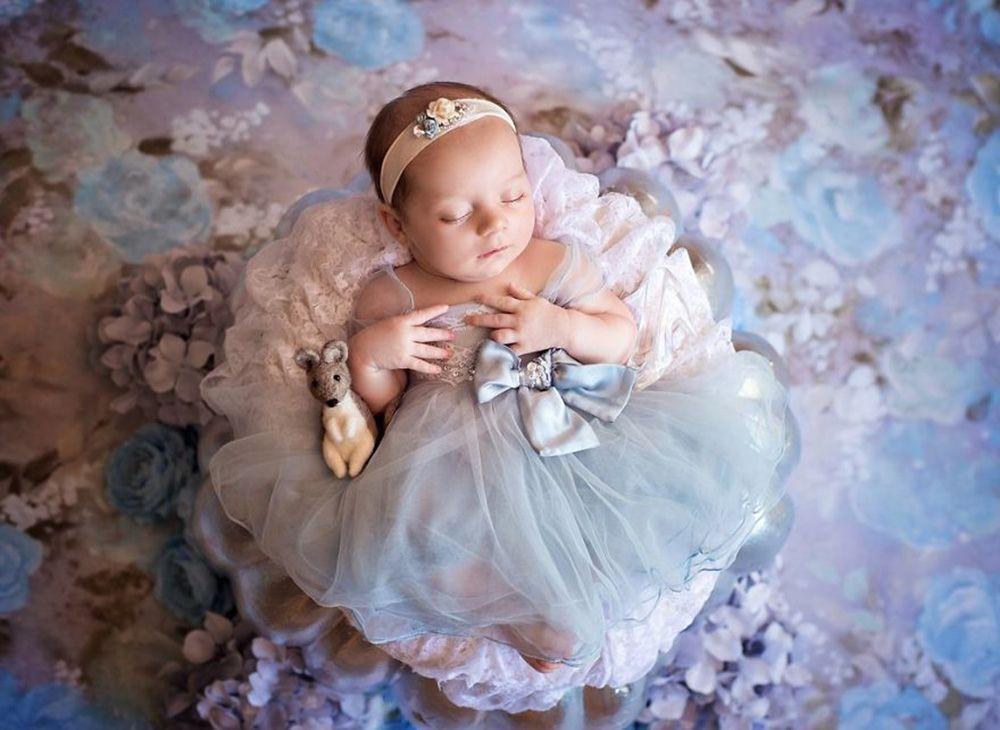 Foto-foto Bayi yang Didandani a la Putri Disney, Gemesin Banget!