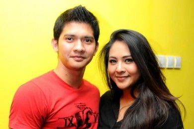 Tetap Mesra Menjalani Pernikahan, Ini Tips dari Iko Uwais dan Audy