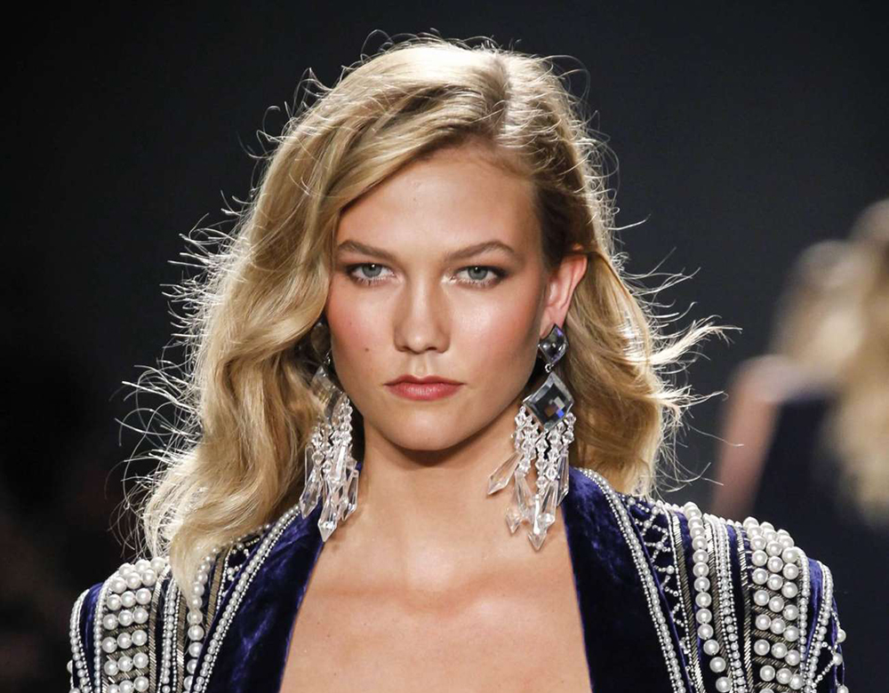 karlie-kloss-balmain-x-hm-collection-launch-03-6940496db116332c5bbe6979838cc8bc.jpg