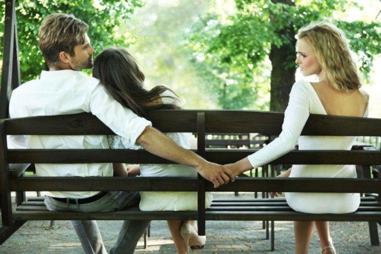 Cowok Kamu Selingkuh? Minta Bantuan ke Perusahaan Unik Ini Saja