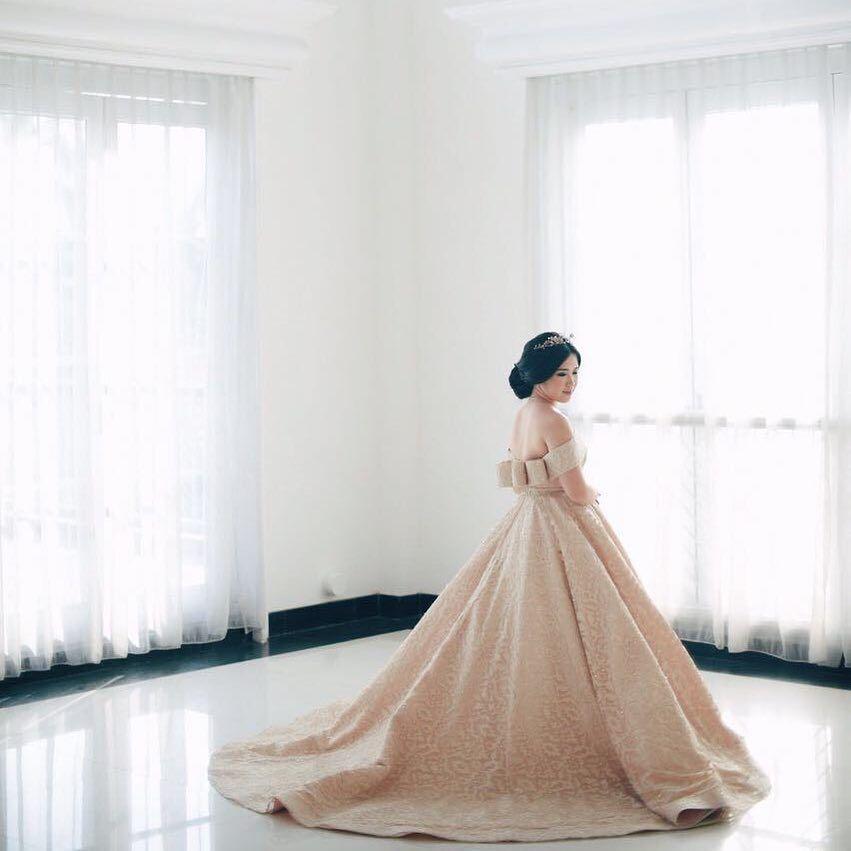 Setelah Undangannya Bocor, Raisa Diramalkan Pakai Baju Ini Saat Menikahi Hamish Daud!