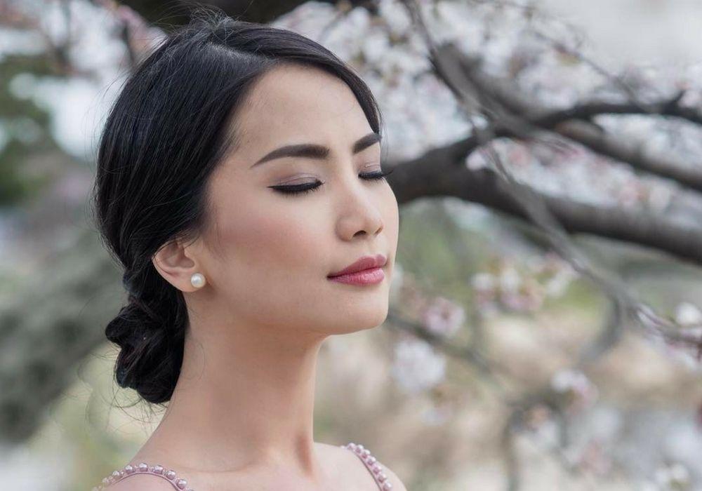 5 Inspirasi Gaya Rambut dan Makeup Pre Wedding ala Calon Istri Dion Wiyoko