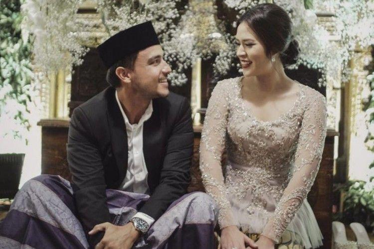 8 Tata Cara Pernikahan Adat Sunda Seperti Raisa dan Hamish Daud