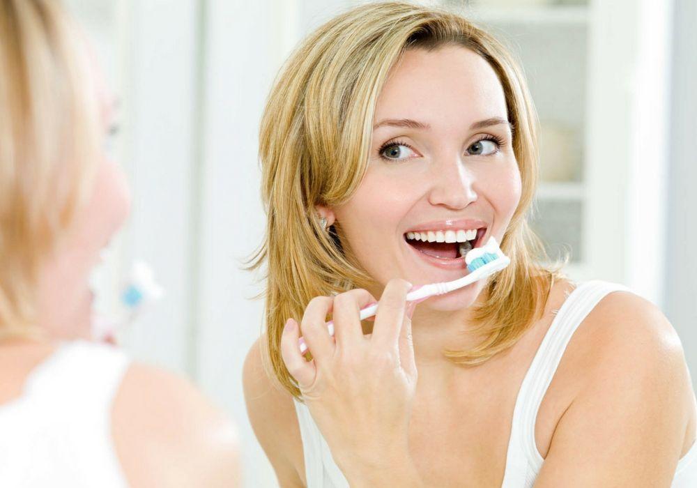 5 Cara Memutihkan Gigi Secara Alami Tanpa Harus Ke Dokter 1