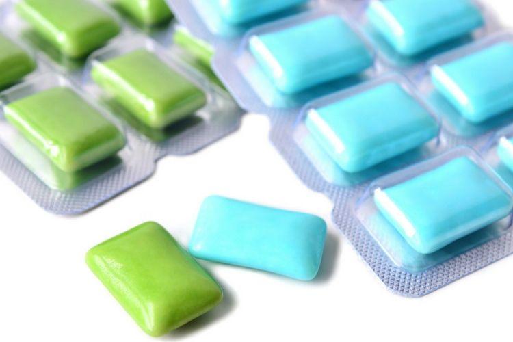 Tips dan Cara Menghilangkan Bau Mulut Secara Alami - Permen karet