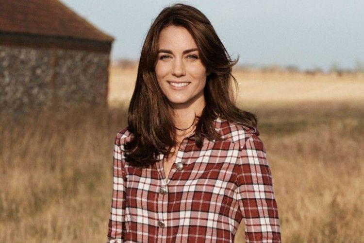 9 Gaya Poni Rambut Kate Middleton yang Selalu Curi Perhatian