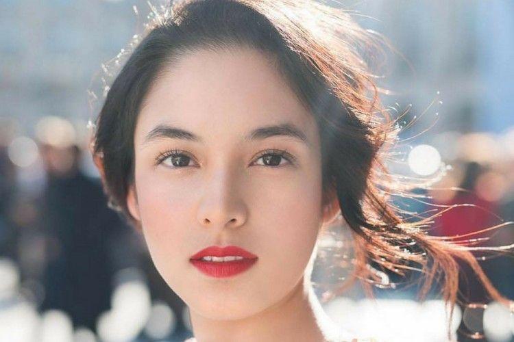 Tampil Cantik, 7 Seleb Ini Pilih Make Up Artist yang Sama