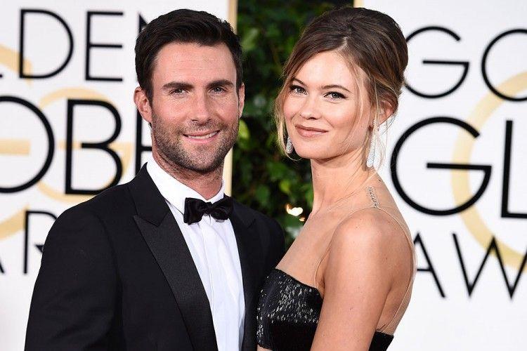 Hamil Anak Ke Dua, Bentuk Tubuh Istri Adam Levine Jadi Begini!
